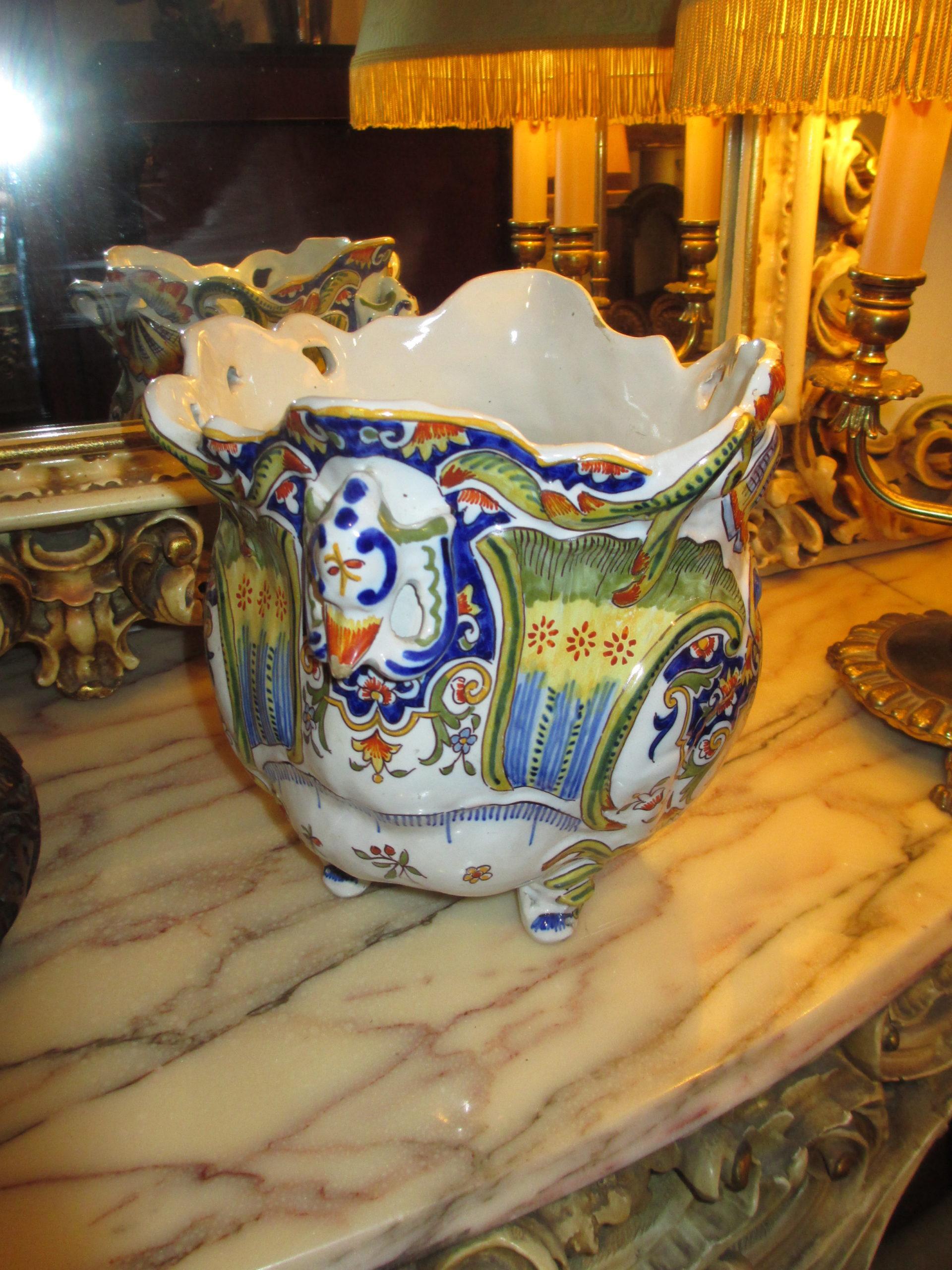 Cache pot porcelaine de Rouen Image